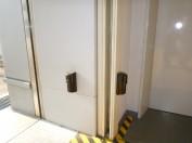 出入口を警戒する赤外線センサー